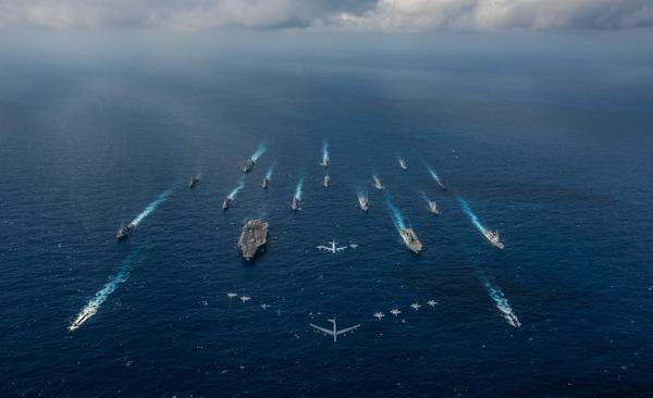 【艦これ】こういう艦隊画像って撮影するために集まるんだってね