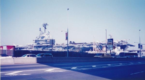 【艦これ】20年くらい前にニューヨーク行った時のイントレピッドの写真って需要ある?