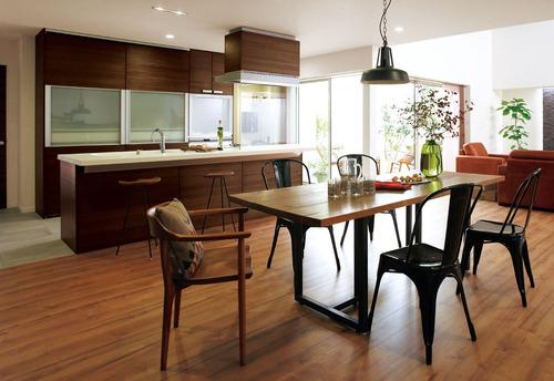 対面型キッチンのフードの下の壁は必要?