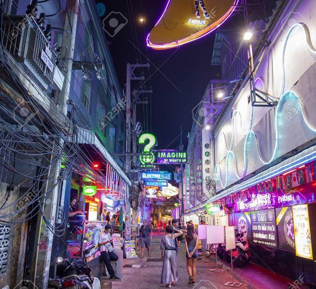night-street-in-pattaya