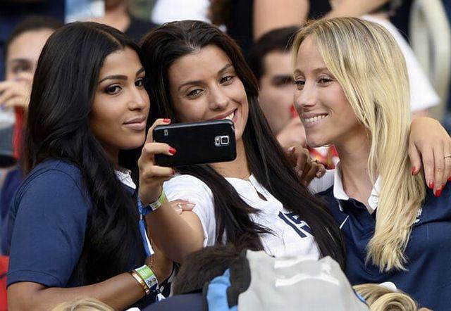 france-vs-australia-world-cup-2018-girls-hot