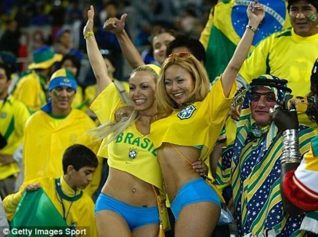 2-hot-brazil-fans-booty-shorts