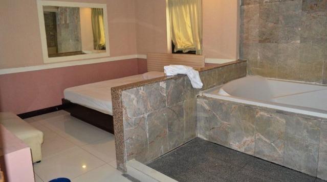 ナタリー浴室