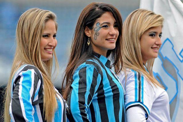 092412-Soccer-Brazil-Cheerleaders-DG-G6_2012092412505588_600_400