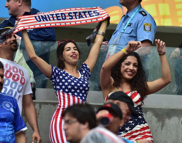 world-cup-hottest-fans-usa-germany (1)