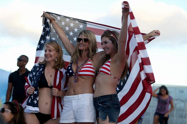 world-cup-hottest-fans (1)