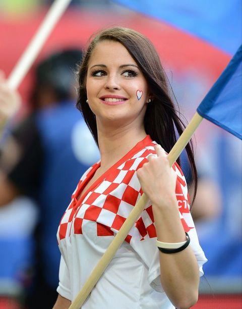 2aef255cb2f9833f050b08bb1bb1b793--girls-soccer-soccer-fans