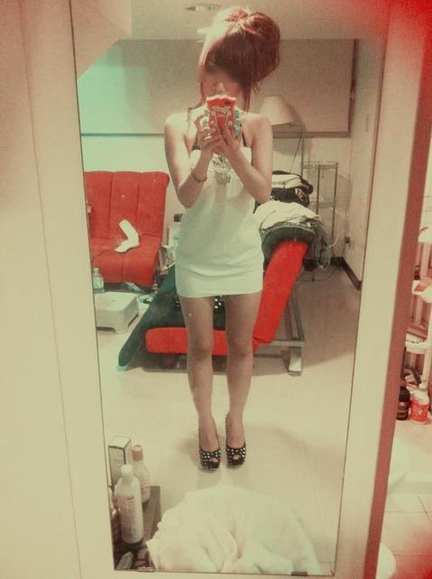 白い服モザ1