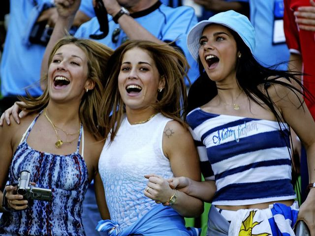 29-uruguay-1-hottest-fans-2014-fifa-world-cup