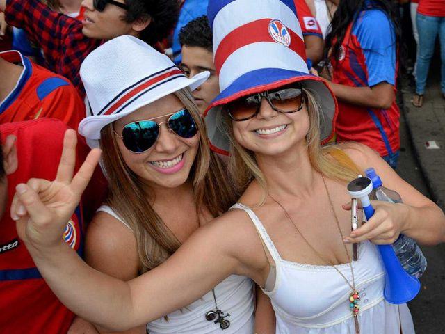 costa-rica-fans-4