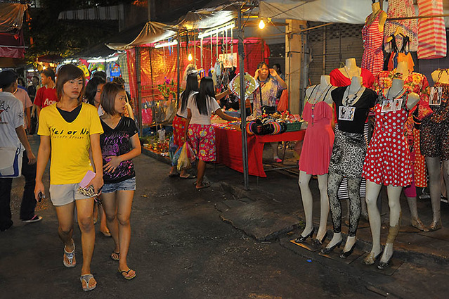 huai-khwang-night-market03