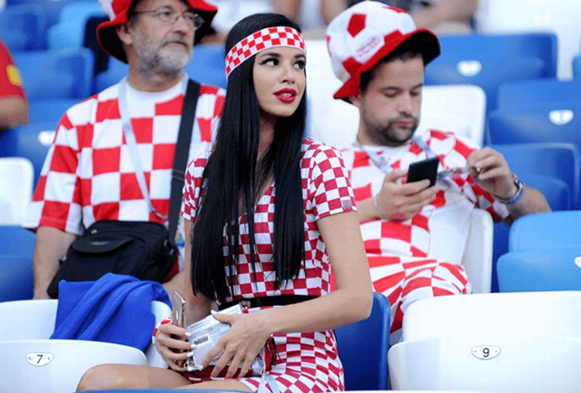 croatia-vs-nigeria-world-cup-2018-hottest-girls (1)