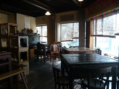台湾茶藝館 月和茶 店内