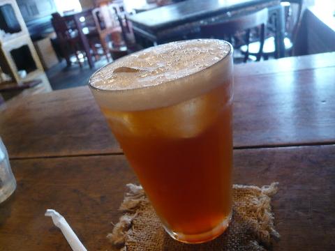 台湾茶藝館 月和茶 はちみつの入った冷たいお茶