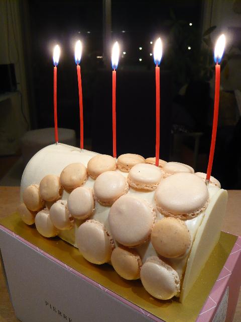 ピエール・エルメ クリスマスケーキ5