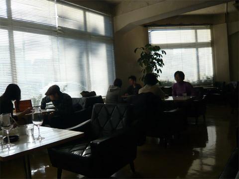 D&DEPARTMENT DINING 店内