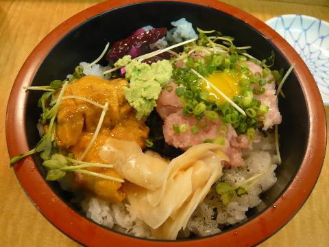 銭形寿司 うにネギトロ丼