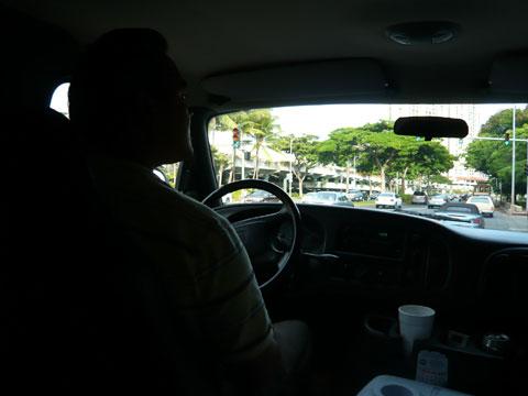 エビ釣りツアー 車内