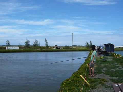 エビ釣りツアー ロミーズ のんびり釣り糸を垂れる