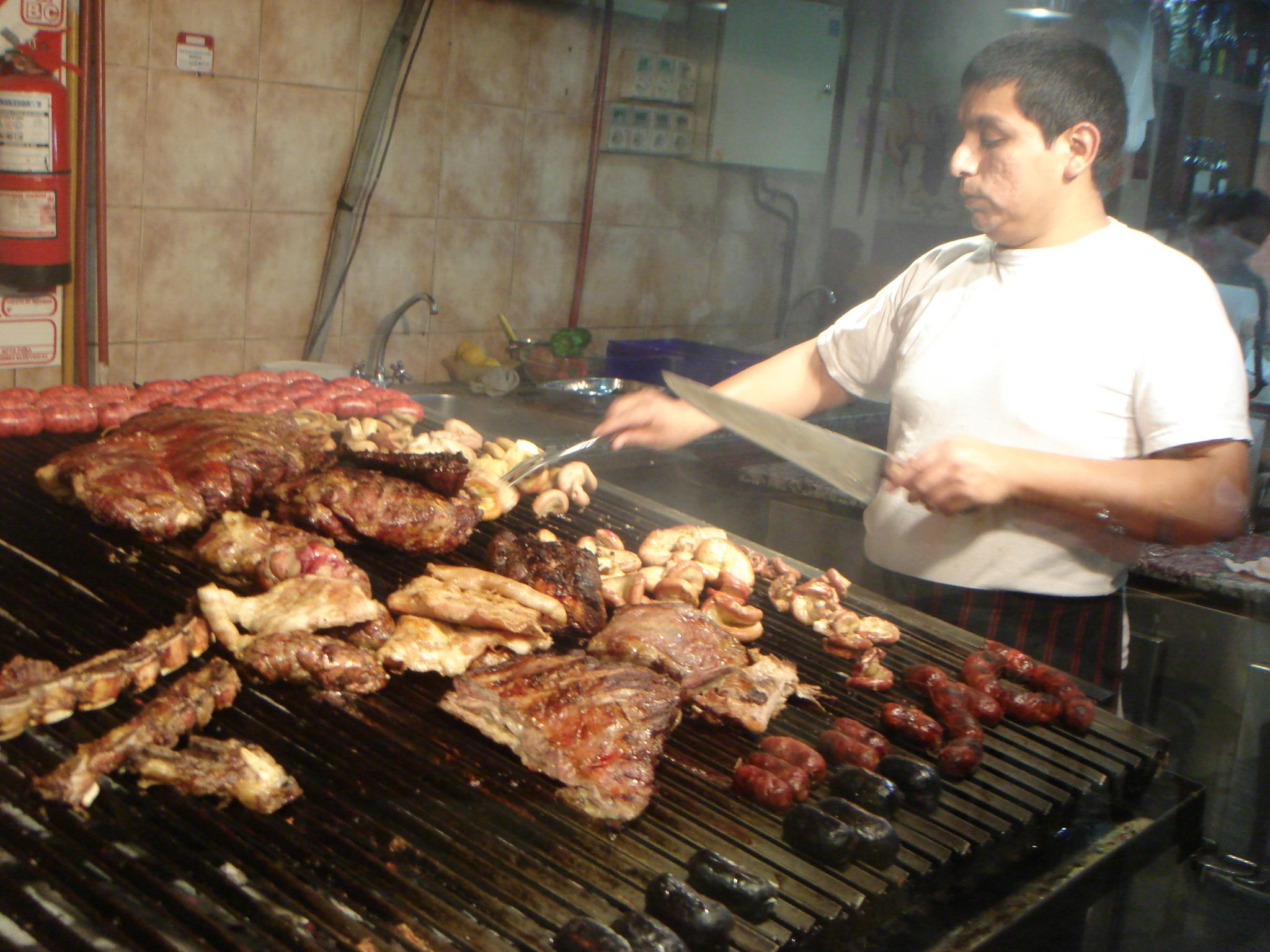 beef そこへいくと、アメリカに比べて物価の安いアルゼンチンはブエノスアイレス。... ニュー