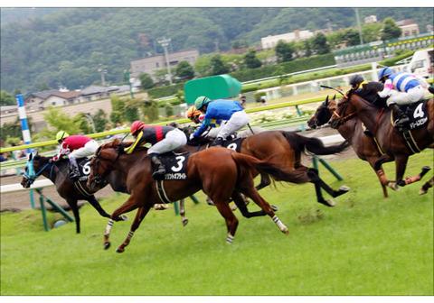 18fukushima_keiba11-sam (1)