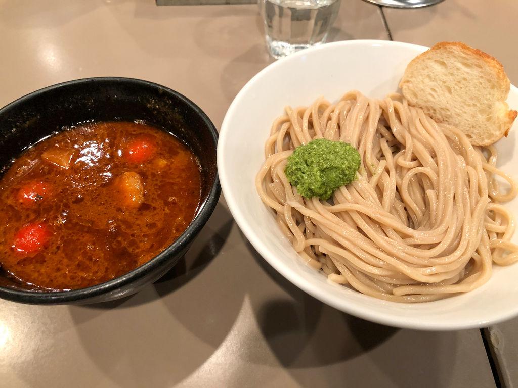 新宿つけ麺「五ノ神製作所」海老トマトつけ麺の味わいはパスタと呼ぶべき一品