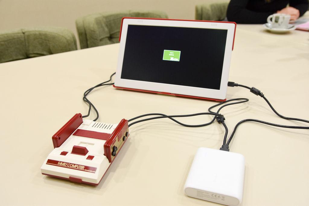 軽くて明るい超絶便利なモバイルディスプレイ「GeChic On-Lap 1101F」はYoutuberの必須アイテム【AD】