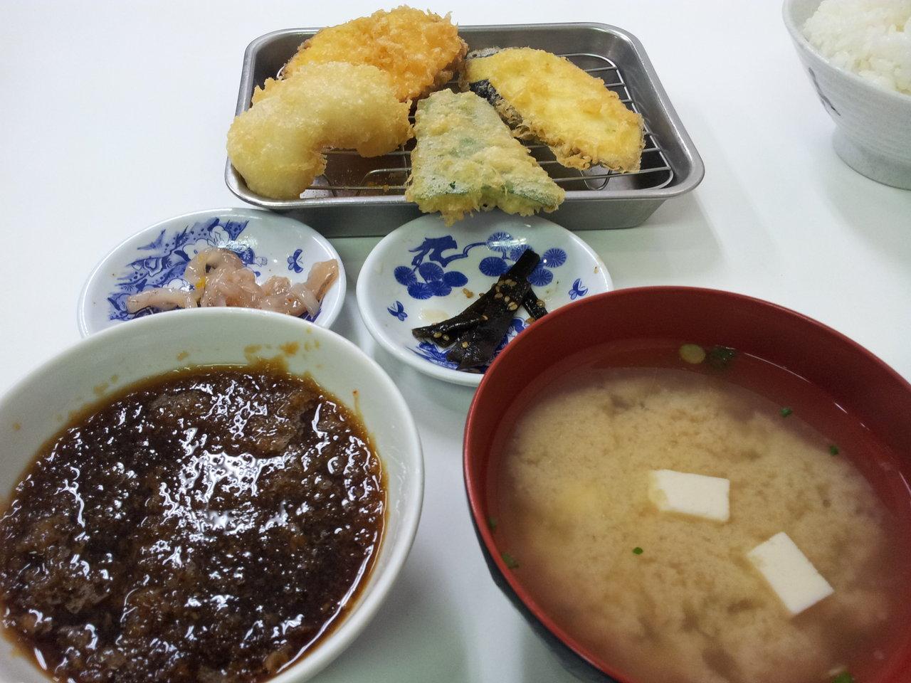 博多2大天ぷら「天ぷらひらお」と「だるまの天ぷら定食」を食べ比べてみた