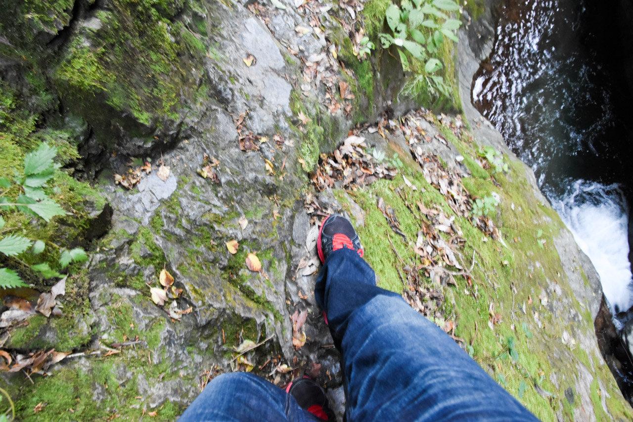 檜原村神秘のパワースポット「神戸岩」足を滑らせると死んじゃう天然記念物 #tokyo島旅山旅