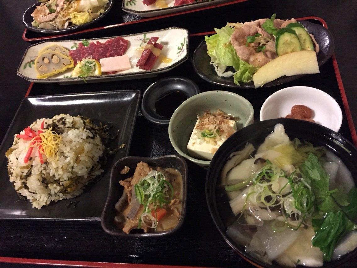 熊本の郷土料理を一度に楽しめる「いなか飯屋」の肥後六花御膳