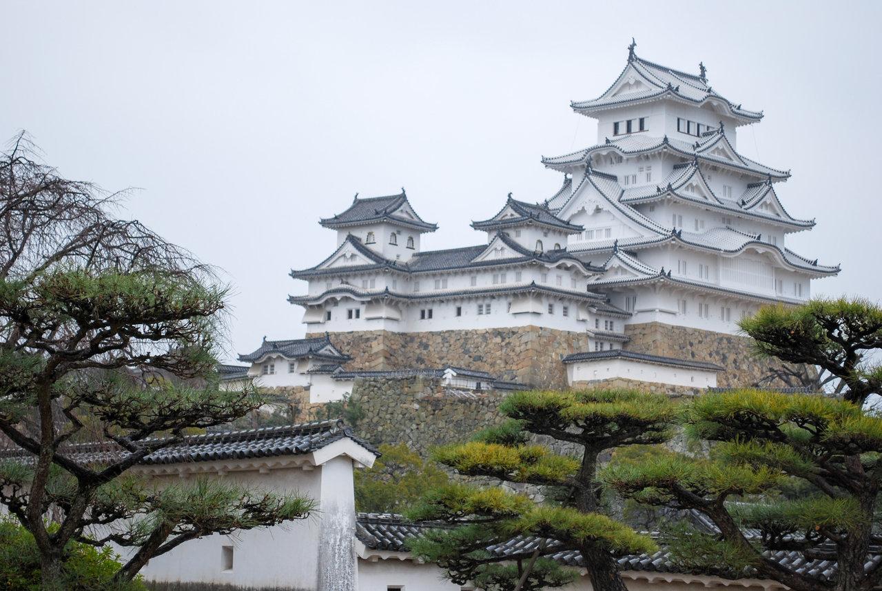 いくらなんでも白すぎる…6年にわたる修理を終えた姫路城が3月27日オープン