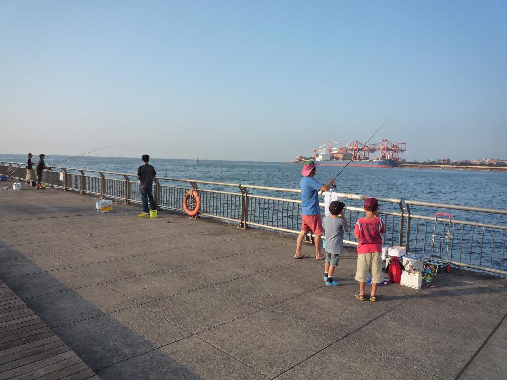 東扇島西公園(川崎)は「生エサの自動販売機」完備で夜釣りもOK!【釣果】