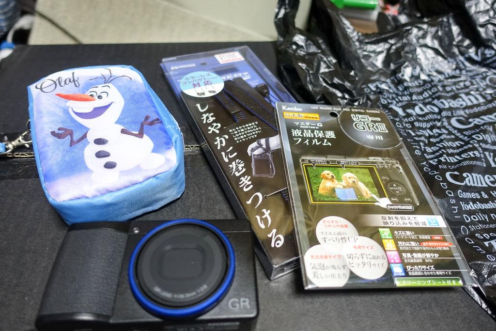 GR3のストラップとケースと保護フィルムのおすすめアイテム