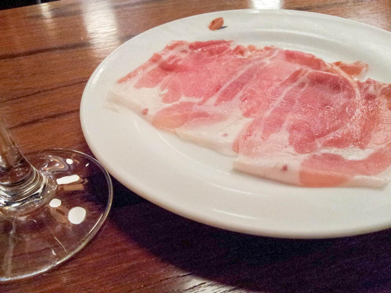 生ハム食べ放題500円!ワイン飲み放題980円!奇跡の店「BAL PINOLO 銀座」