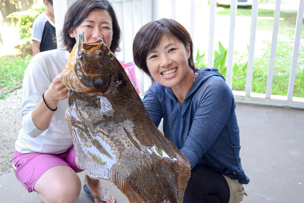 夏休みに家族で釣りなら三浦海岸の「シーナビ三浦」が釣った魚を調理してくれて風呂も入れて80センチの巨大ヒラメまでGETできる最高の場所