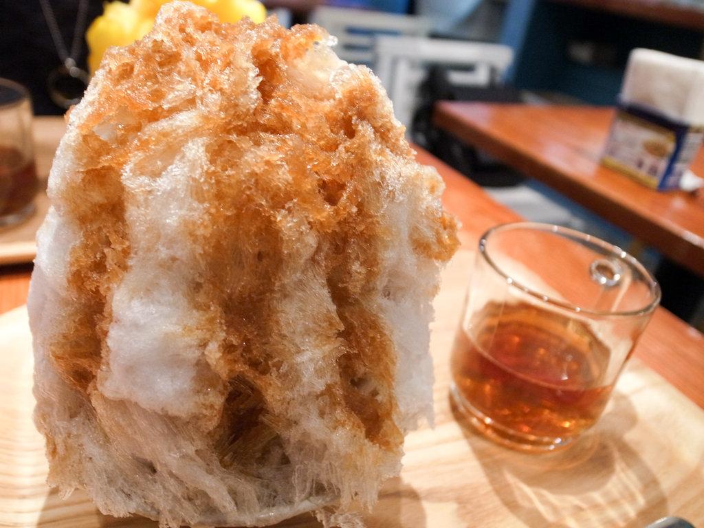 ふわっふわのかき氷で作る沖縄ぜんざいがサイコー!神保町「avocafe+」