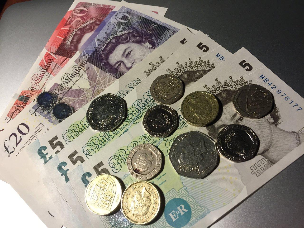 イギリスで日銀の追加緩和が直撃、手元の貨幣の価値がぐんぐん変わる貴重な体験