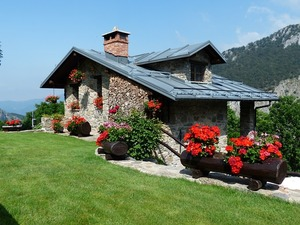 holiday-house-177401_640
