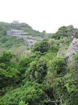 中城城跡から見える廃屋