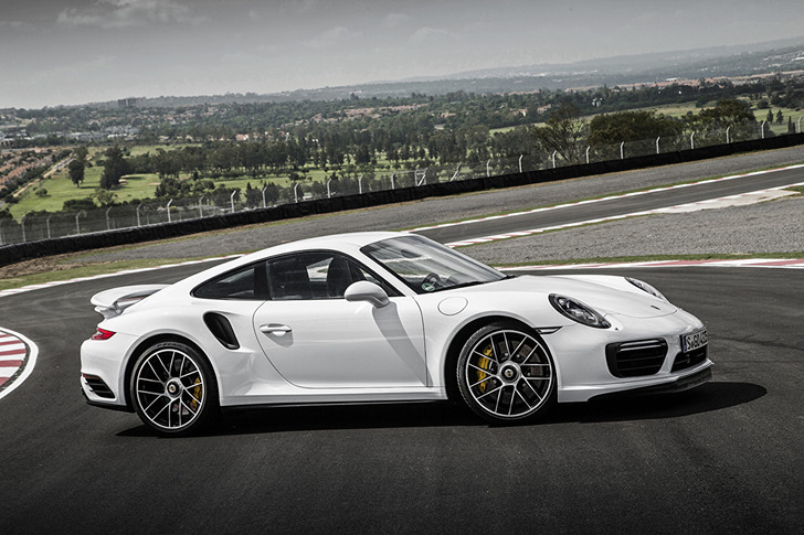 Porsche_911_Turbo_S_490087