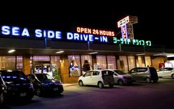 駐車場での密会、車内 探偵事件簿-福岡
