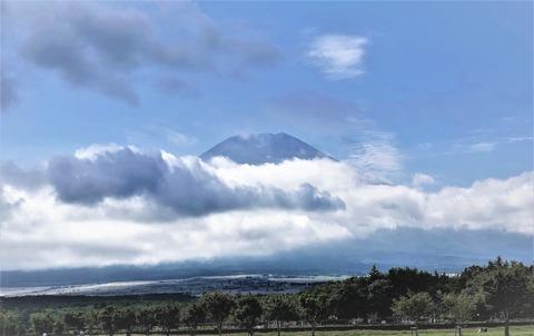 富士の麓カップル
