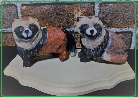 木彫り夫婦狸