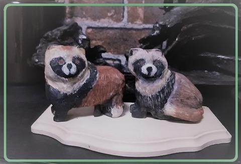 夫婦木彫り狸