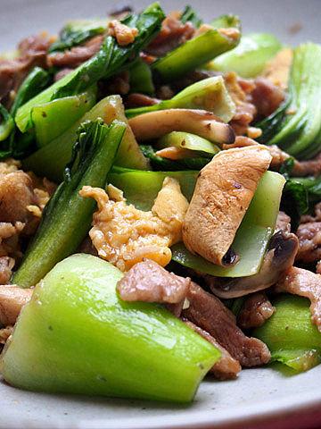 saute de legumes et champignons