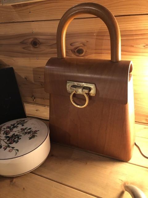 フェラガモ 木製バッグ