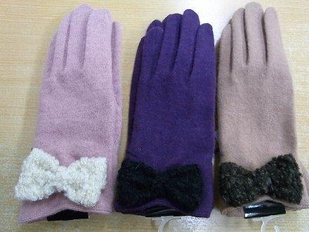 20111129手袋1