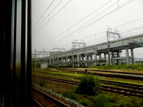 新幹線よりも早く着く (3)