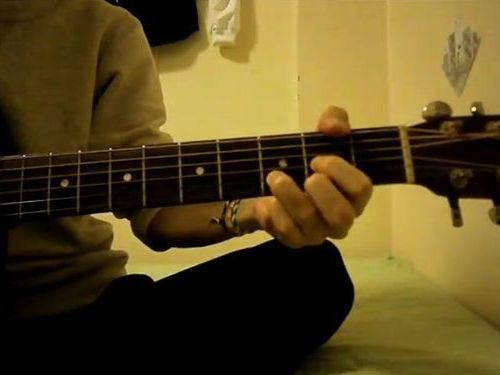 コード4つだけで5分間で18曲弾いてみました(動画) / ロード乗りでギターも始めたいと思っている人へ
