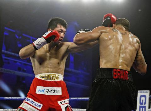 【悲報】ボクシング村田、判定負けで防衛失敗
